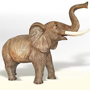 Elefant in Lebensgröße